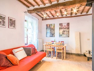 2 bedroom Apartment in Siena, Tuscany, Italy : ref 5549400