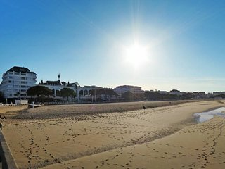 2 bedroom Apartment in Arcachon, Nouvelle-Aquitaine, France : ref 5434781
