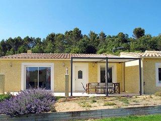 4 bedroom Villa in Valreas, Provence-Alpes-Cote d'Azur, France : ref 5443494