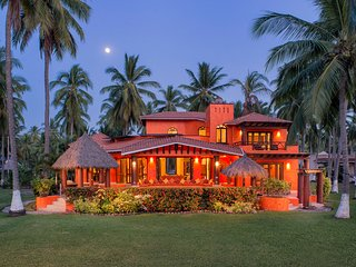 Secluded Beachfront Paradise :  Villa Tortuga