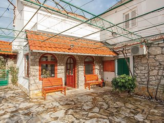 2 bedroom Villa in Velika Čista, Šibensko-Kninska Županija, Croatia : ref 554248