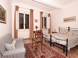 2 bedroom Apartment in Florence, Tuscany, Italy : ref 5548778