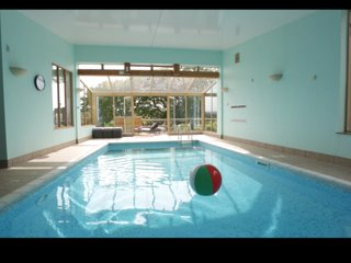 Fabulous country house with pool & hot tub
