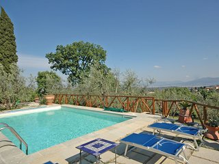 2 bedroom Apartment in Mezzomonte, Tuscany, Italy : ref 5240015
