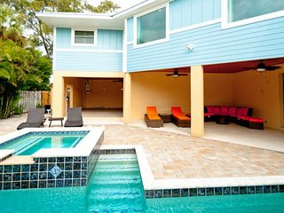 Charming family home with private pool, hot tub, Ping-Pong, and more!