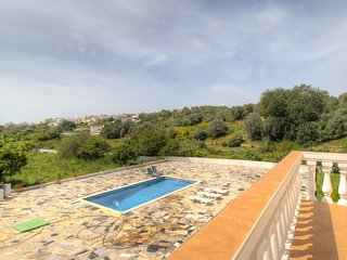4 bedroom Villa in Alcantarilha, Faro, Portugal : ref 5393844
