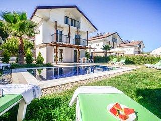 3 bedroom Villa in Ahatlı, Muğla, Turkey : ref 5669601