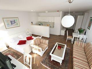 2 bedroom Apartment in Slano, Dubrovačko-Neretvanska Županija, Croatia : ref 554