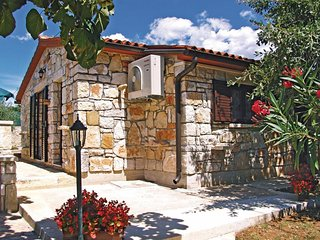 2 bedroom Villa in Crnibek, Istria, Croatia : ref 5564733