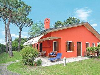 3 bedroom Villa in Isola Albarella, Veneto, Italy : ref 5434177