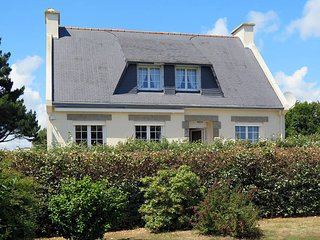 4 bedroom Villa in Tregunc, Brittany, France : ref 5438423