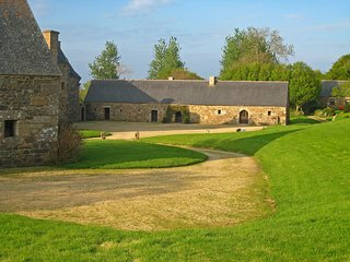 4 bedroom Villa in Chateaulin, Brittany, France : ref 5513532