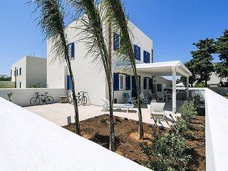 2 bedroom Villa in San Vito Lo Capo, Sicily, Italy : ref 5422443