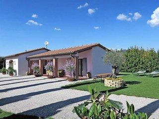2 bedroom Villa in Castiglion Fiorentino, Tuscany, Italy : ref 5446262