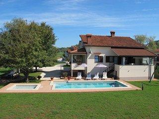 4 bedroom Villa in Motovun, Istarska Županija, Croatia : ref 5439337