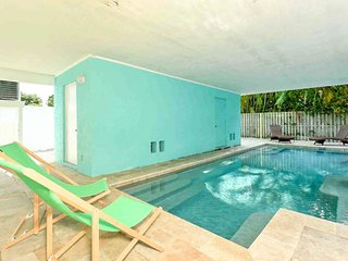 Dog-friendly getaway w/ a shared heated pool - walk to the beach!