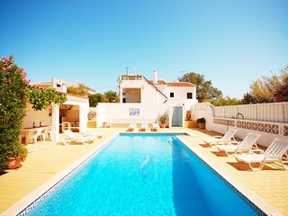 3 bedroom Villa in Guia, Faro, Portugal : ref 5454947