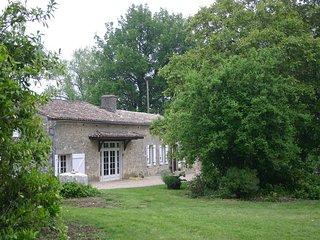 6 bedroom Villa in Paussac-et-Saint-Vivien, Nouvelle-Aquitaine, France : ref 551