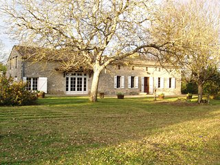 6 bedroom Villa in Paussac-et-Saint-Vivien, Nouvelle-Aquitaine, France - 5519670