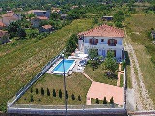 3 bedroom Villa in Rozani, Splitsko-Dalmatinska Zupanija, Croatia : ref 5563601
