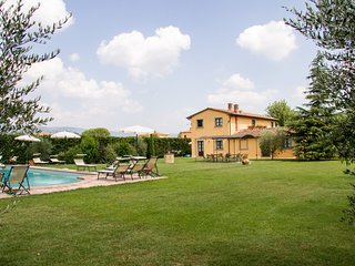 2 bedroom Villa in Camucia-Monsigliolo, Tuscany, Italy : ref 5512068