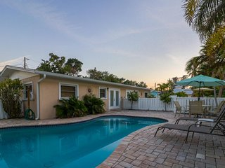 Comfortable island villa w/ private pool, courtyard & easy beach access!