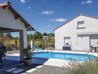 4 bedroom Villa in Saint-Antoine-sur-l'Isle, Nouvelle-Aquitaine, France : ref 55