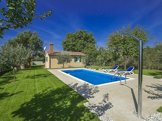 1 bedroom Villa in Porec, Istarska Zupanija, Croatia : ref 5426521