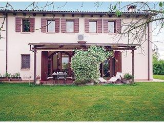 4 bedroom Villa in Zona Artigianale Pero, Veneto, Italy : ref 5535607