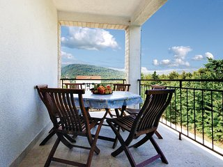 4 bedroom Apartment in Stari Grad, Croatia - 5562552