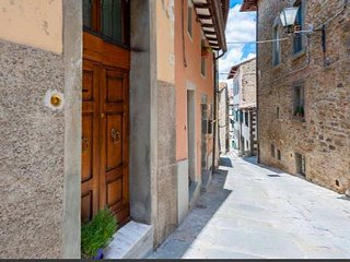 1 bedroom Apartment in Cortona, Tuscany, Italy : ref 5312375