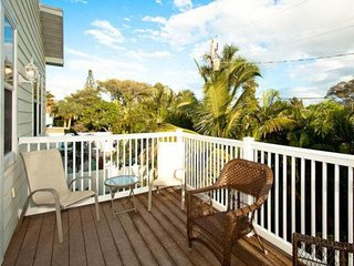 Pair of elevated houses w/ private lagoon pools & island views - beach nearby!