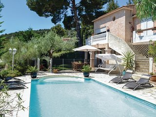 2 bedroom Apartment in La Valette-du-Var, Provence-Alpes-Côte d'Azur, France : r