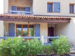 3 bedroom Villa in Sanary-sur-Mer, Provence-Alpes-Cote d'Azur, France : ref 5579