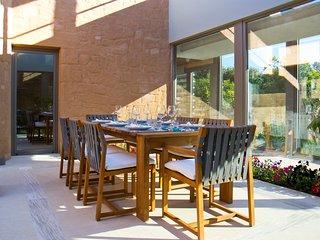 Kontomari Villa Sleeps 8 with Pool and Air Con