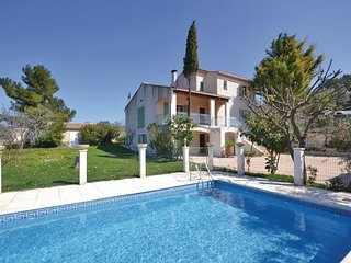 4 bedroom Villa in Pernes-les-Fontaines, Provence-Alpes-Cote d'Azur, France : re