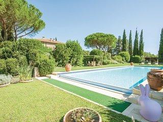 3 bedroom Villa in Monte Cucco, Tuscany, Italy : ref 5523535