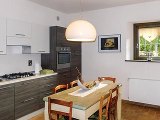 2 bedroom Apartment in Vuezzis, Friuli Venezia Giulia, Italy : ref 5543678