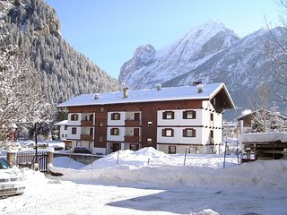 1 bedroom Apartment in Canazei, Trentino-Alto Adige, Italy : ref 5558148