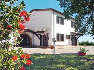 4 bedroom Villa in Grosseto, Tuscany, Italy : ref 5446943