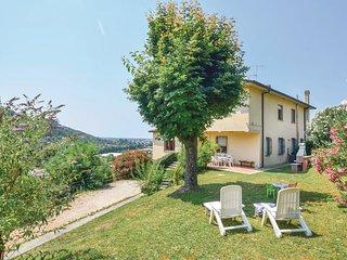 3 bedroom Villa in Capezzano Pianore, Tuscany, Italy : ref 5537498