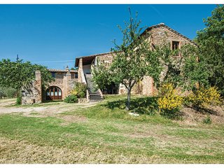 4 bedroom Apartment in Bagno Vignoni, Tuscany, Italy : ref 5523636