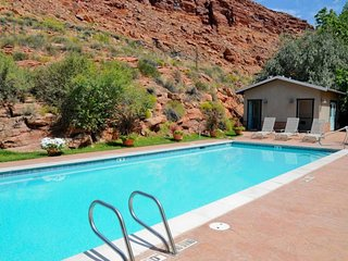 Contemporary condo w/ shared pool & hot tub surrounded by red rock!