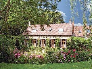 5 bedroom Villa in Saint-Samson-la-Poterie, Hauts-de-France, France : ref 553933