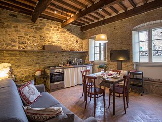 1 bedroom Apartment in Cortona, Tuscany, Italy : ref 5472429