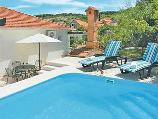 3 bedroom Villa in Nerezisce, Croatia - 5437171