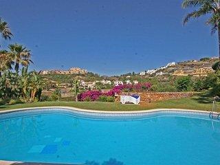 Fabulous 3 bedroom apartment (family friendly) near Marbella & Puerto Banus