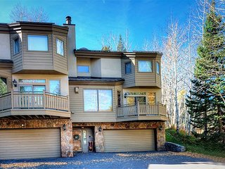 Golf Course Townhome #61 4 Bed/4 Bath Gold 1738 Golf Ln #R61, Vail, CO 81657