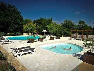 Appartement dans le parc du Château 4/6 personnes, Martel, Rocamadour