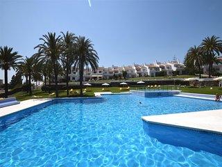 2 bedroom Apartment in La Quinta, Andalusia, Spain : ref 5476577